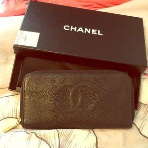 Chanel Black Caviar Zippy Wallet with box & card
